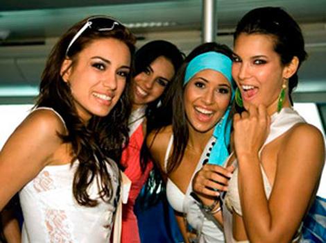 Costa Rica Women - Costa Rica Tours